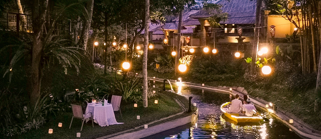 Boat Dining, Romantic Dinner, Intimate Boat Dining in the lagoon with tropical garden, Romantic Dinner Experience, Kamandalu Ubud, Bali