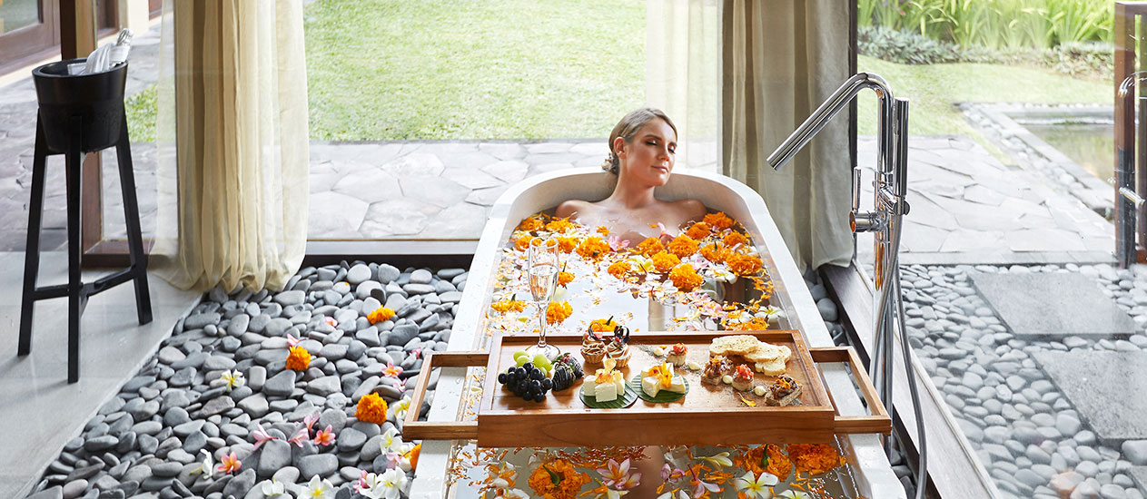 Romantic Flower Bath at Private Villa with a champagne or sparkling wine, Romance experience at Kamandalu Ubud, Bali